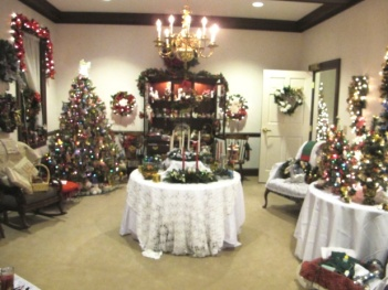 Yuletide Treasures Room